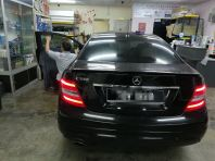 2) Benz E180