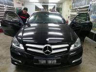 1) Benz C180
