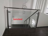 Glass staircase 68