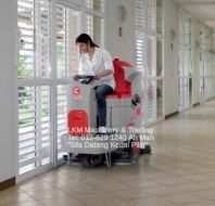 Comac Ride On Scrubbing Machine