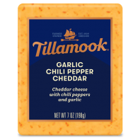 Tillamook Deli Cut Garlic Chilli Pepper Cheddar