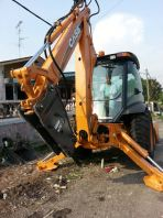 Backhoe Loader With Hydraulic Breaker