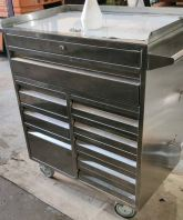 tooling cabinet with lock