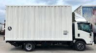 5 tonnes box van with Taillift