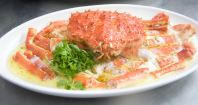 Steamed Alaska Crab with White Egg
