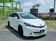 2010 TOYOTA WISH 1.8 Sunroof Spec