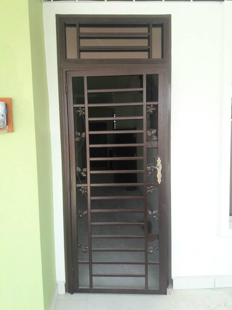 Phenomenal Bandar Baru Uda Main Entrance Door Grille From Sd Aluminium Glass Largest Home Design Picture Inspirations Pitcheantrous