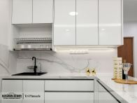 Glasso Series Kitchen c/w Marble Slab Tiles